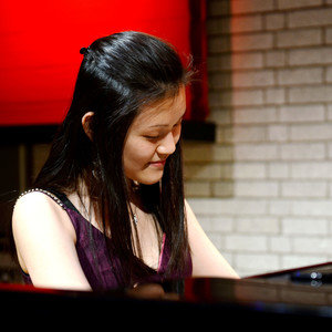 YeeNi - London,Greater London : Concert pianist, with 15 years