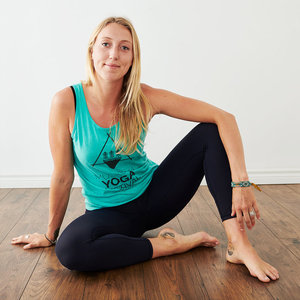 Ashley Collingwood Experienced And Inspired Yoga And Breath Focused Meditation Instructor Located In Collingwood Ontario