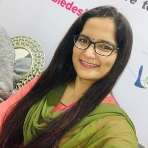 Pratima Hyderabad Freelance Fashion Designer Fashion Entrepreneur Giving Tutorials For English Hindi Fashion Designing