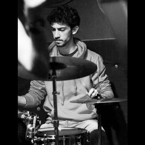 leo londongreater london professional drummer with background in jazz and rockpop gives drum and percussion lessons london