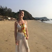 300hour registered yoga teacher☽ practice with me in the comfort of your home♡ from surrey to brighton ☼