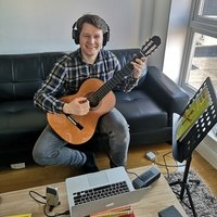 Acoustic and Classical Guitar Teacher for Beginners and Intermediates in South West London