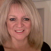Annmarie is a highly experienced maths tutor able to raise your confidence and make maths understandable