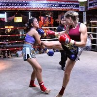 Calling all London Muay Thai addicts who want to train with a seasoned fighter