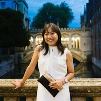 Cambridge graduate offering maths & physics tutor *plus* tips to get Oxbridge!