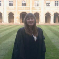 Cambridge student willing to aid in the application of students to medical schools, including oxbridge.