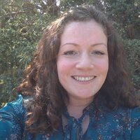 Clarissa- qualified, experienced teacher/ SENCO, offering online lessons in reading and spelling for school aged children.