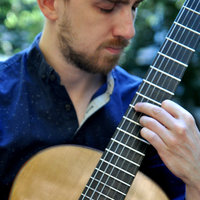 Classical guitar lessons in Glasgow with a professional musician in English or French