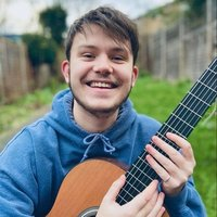 Classical guitarist currently studying in London, Greenwich with 3 years teaching experience
