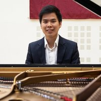 Classical postgraduate pianist based in Manchester, experienced in teaching and perform frequently