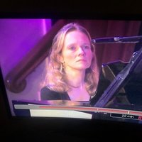 Concert pianist, working with advanced overseas/UK students online, at Bristol University and privately in Bristol. Former BBC Young Musician of the Year and Royal Overseas keyboard finalist. Qualific