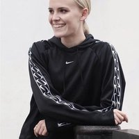 Contemporary dancer trained in Cunningham, Release, Floor work & Flying low in London