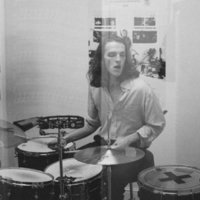 Drum Tutor with 10 years of professional experience gibes drum lessons at home Leeds