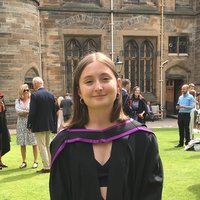 English Lit graduate offers literacy and essay help up to degree level in Glasgow