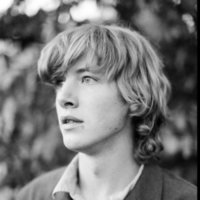 Enthusiastic English Literature tutor and MA Student focused on promoting self-confidence and enjoyment in the study of literature