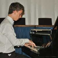 Experienced Classical Piano teacher in London, students aged +5 are welcome, home visits only