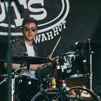 An experienced drum tutor based in Edinburgh with a BA (Hons) in Popular Music.