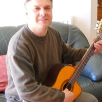 Experienced fully qualified guitar tutor offers lessons at home in East Ewell