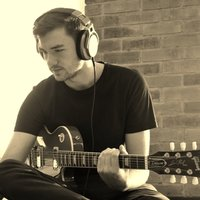 Experienced, mobile guitar tutor in Leeds. For those seeking easy going, creative and encouraging tuition.