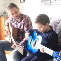Experienced mobile tutor with Contemporary Music degree gives individually tailored guitar and keyboard lessons in north Glasgow.