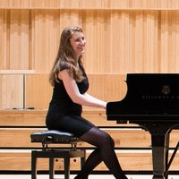 Experienced piano teacher in Edinburgh (I also offer flute, violin, and music theory lessons)