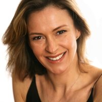 Experienced, professional actress available for private lessons. Friendly, reliable and available now!