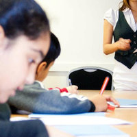 Experienced tutor and current medical student offering English, Maths and Science tuitions!