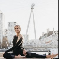Experienced Vinyasa and Hatha Yoga Teacher. Based in Regents Park, Primrose Hill/ Camden & Surrounding Areas.