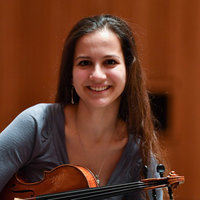 Experienced violin professor (Royal College of Music graduate) offering lessons in Central London