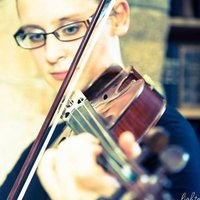 Experienced violin/viola/cello tutor with PGCert in string teaching, based in Jersey CI