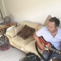 Expert guitar tuition, learn to play the songs you love right way