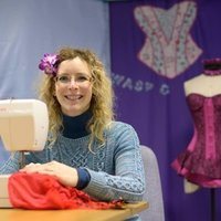 Fashion designer offers sewing classes to individuals and small groups max 7 people