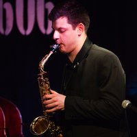 A freelance Jazz saxophonist and a conservatory graduate offering lessons in London