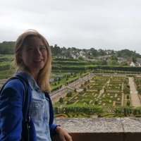 French law student (with a master in French and English law) offers French lessons in London.