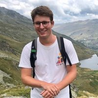 French student doing an Economics and Politics degree offering French lessons in Bristol