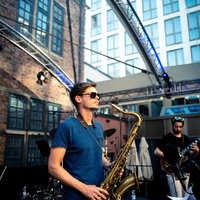 Friendly saxophone teacher specialising in jazz and improv catering for all levels.