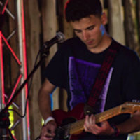 Grade 8 qualified Bristol-based music postgraduate offering guitar tuition to all abilities