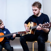 Guitar and Music Lessons in Edinburgh by an Experienced Tutor and Recipient of a 1st Class BA (Hons) in Popular Music