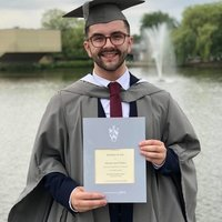 I'm a History and Politics graduate based in Manchester. I'm an aspiring teacher who wants to prepare the next generation for success!