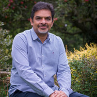 Imy - Highams Park - GCSE and A-level maths. Qualified teacher with 18 years of experience.