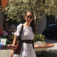 Italian fashion management student living in London! Would love to teach IB Courses to anyone keen to learn :)