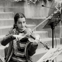 Italian violinist recently moved to Bristol is ready to share with you our way to play music!