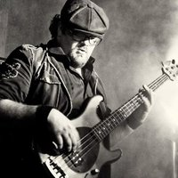 Justin Kool: Bass Player & Guitarist offering lessons. Australian Born, Bristol Based Musician