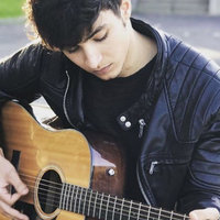 I'm Kithim, I'm 22 from France I played guitar since I'm 14 ans get graduated from a music scool so If u want to have fun and learn call me !