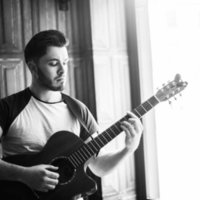 Leeds College of Music Graduate offering guitar lessons in Leeds. Specialising in performance and compositional techniques.