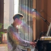 Leeds College of Music graduate with a focus on piano, harmony and music production.