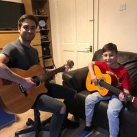 London Based Academy Trained Guitar Tutor Offering Lessons for 35 Per Hour