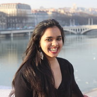 LSE graduate student offering tutoring lessons in International Politics in Central London
