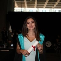 Make-up junkie and enthusiast full of tips and tricks up her sleeve!