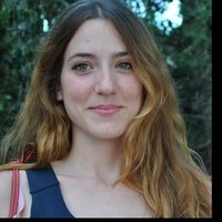Masters student and native Greek native speaker gives Greek lessons of language and culture online